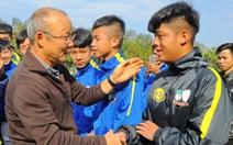 HLV Park Hang Seo dự lễ bốc thăm chia bảng VCK Asian Cup 2019