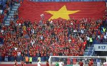 Những lá đại kỳ tiếp lửa cho bóng đá Việt