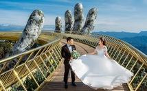 Giới trẻ ùn ùn kéo đến Đà Nẵng chụp ảnh cưới cuối tuần