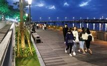 Khánh thành cầu đi bộ bằng gỗ lim 64 tỉ dọc sông Hương