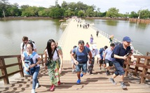 Campuchia nói không với tour du lịch 'không đồng'