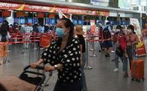 4 chuyến bay đưa gần 900 du khách mắc kẹt từ Đà Nẵng về Hà Nội