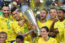 Không Messi, Argentina thua sát nút Brazil