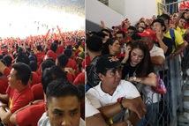 CĐV Việt Nam bị 'chơi xấu' trên khán đài Bukit Jalil