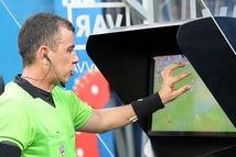 Công nghệ VAR, phản ứng trái chiều của bóng đá Việt