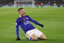 Leicester nhấn chìm Arsenal nhờ Vardy