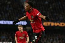 M.U gây sốc, quật ngã M.C trong trận derby Manchester