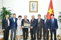 Thủ tướng Nguyễn Xuân Phúc tiếp HLV Park Hang Seo