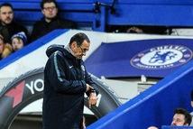 Nhiều CĐV Chelsea yêu cầu sa thải HLV Maurizio Sarri