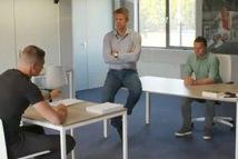 Thủ môn Scherpen bị chép phạt viết 1.000 lần dòng chữ: 'Ajax là CLB đẹp nhất ở Hà Lan'