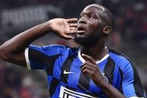 Lukaku lập công giúp Inter thắng trận derby Milan