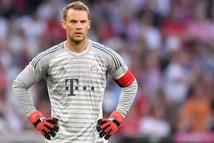 Video thói quen rời khung thành đá phá bóng khiến Neuer mắc sai lầm