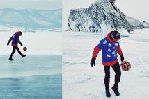 Video: Lập kỷ lục Guinness, vừa đi bộ vừa tâng bóng qua mặt hồ đóng băng dài hơn 80km
