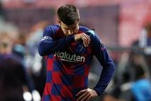 Pique sẵn sàng ra đi để 'thay máu' Barca