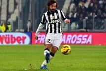 Pirlo thay Sarri dẫn dắt Juventus