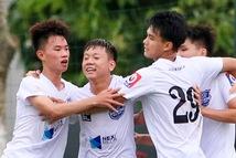 Đàn em Xuân Trường đá phạt góc ghi bàn ở ngày khai màn VCK U17 quốc gia 2020