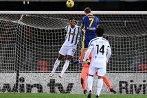 Ronaldo lập công, Juventus vẫn đánh rơi chiến thắng