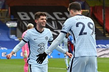 Đại thắng Crystal Palace, Chelsea lại vượt mặt Liverpool