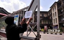 Malaysia đóng cửa nhiều trường học vì sông bị nhiễm hóa chất