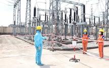 Công nhân Điện lực miền Bắc trong tâm dịch COVID-19