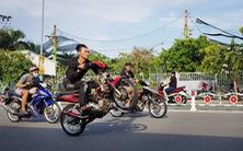 'Quái xế' lộng hành chiếm đường, đua xe, bốc đầu giữa ban ngày