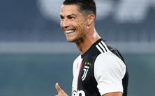 Video Ronaldo đi bóng từ giữa sân rồi dứt điểm trái phá ghi bàn đẹp mắt
