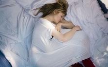Ớn lạnh với phim '24 tuần' về chu kì sinh nở của đàn bà