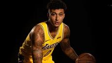 Video pha ghi điểm kiểu 'lườm rau gắp thịt' siêu hạng ở NBA
