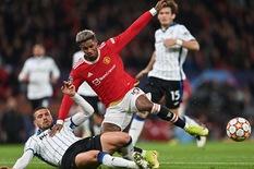 Mặt trái 'ngược dòng' của Manchester United