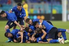 Tuyển Ý giành vé đầu tiên vào vòng 16 đội
