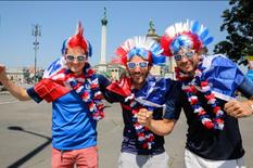 Nhầm lẫn Budapest với Bucharest, các CĐV Pháp 'lưu lạc' sang Romania xem Euro 2020