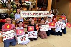 Người Việt tại Nhật gửi thực phẩm, lời chúc yêu thương đến đoàn thể thao Việt Nam