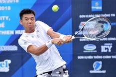Trận chung kết của Hoàng Nam bị hoãn vì ánh sáng kém