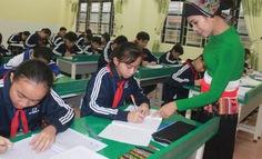 Mở lớp tiếng dân tộc Thái cho học sinh