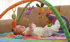 Giúp bé phát triển thị lực trong năm đầu đời