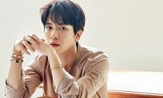 Jonghwa nhóm CNBlue lên tiếng về vụ việc gian lận cao học