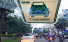 Đề nghị Grab, Uber ngưng phát triển thêm xe mới