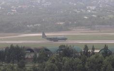 Máy bay vận tải ''ngựa thồ' của Hàn Quốc xuống Đà Nẵng