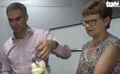 Bác sĩ Úc hỗ trợ kỹ thuật mổ định vị thay khớp gối