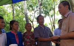 Chủ tịch nước thăm bà con vùng lũ