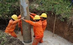 Huy động gần 1.200 người khôi phục điện sau bão số 12