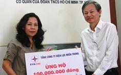100 triệu đồng giúp dựng lại mái nhà cho bà con vùng bão