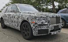 Thử chạm 'viên kim cương thô' Rolls-Royce Cullinan