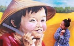 Những bức vẽ rực rỡ trên tường trường mẫu giáo