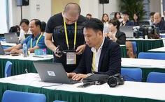 Trung tâm báo chí APEC sôi động ở Đà Nẵng