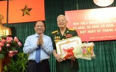 TP.HCM: 2.405 đảng viên được nhận Huy hiệu Đảng đợt 7-11