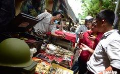 Chợ đồ cổ tấp nập giữa lòng Sài Gòn