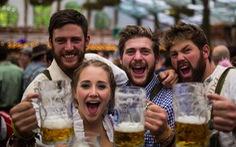 Mùa hè mát mẻ, người Đức kém mặn mà... với bia