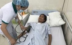 Đà Nẵng: Điều trị miễn phí người phụ nữ... ngủ ngồi