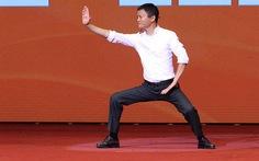 Một người lạy Jack Ma, đừng chê thanh niên Việt 'liếm giày tỉ phú'